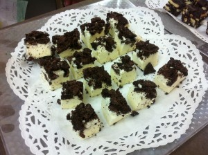 White Chocolate Mousse Blocks with Chocolate-Oreo chuncks